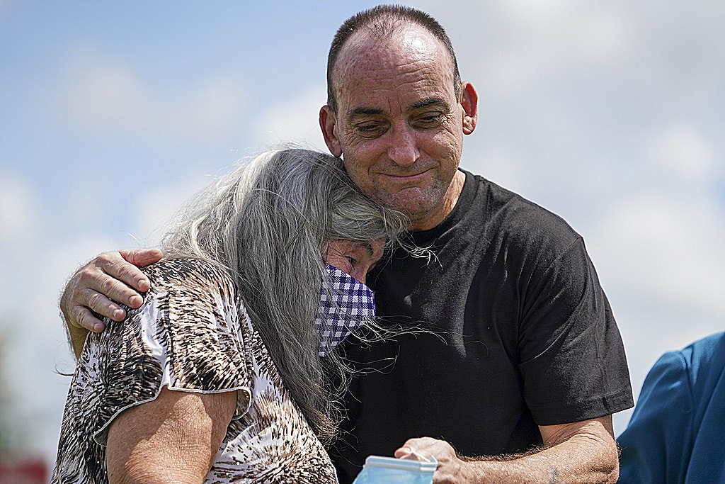Former Florida Death-Row Prisoner Robert DuBoise Freed After DNA Proves His Innocence