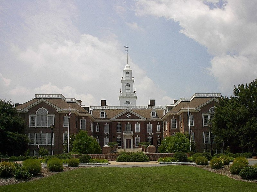 Delaware State Capitol. Public domain photo.