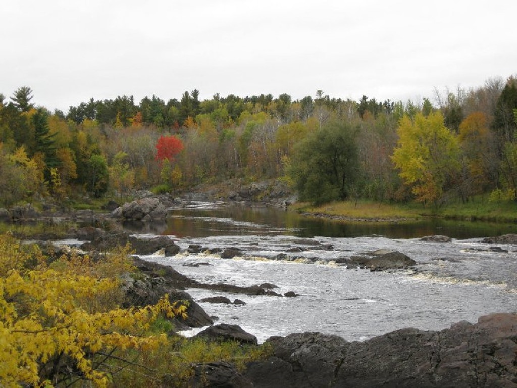 Fall colors at Jay Cooke State Park, Carlton, Minnesota. Photo by Prairie Bly.