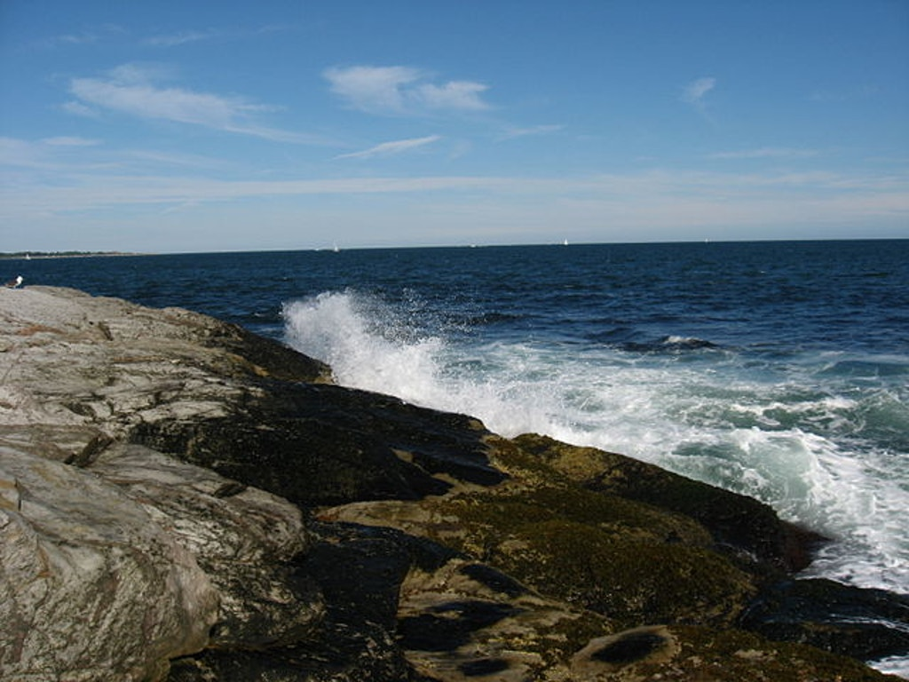 Beavertail State Park. Photo by SamFaz23 at Wikipedia.